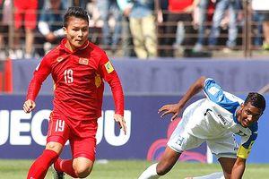 HLV Uzbekistan 'kết' 2 ngôi sao ở tuyển U23 Việt Nam