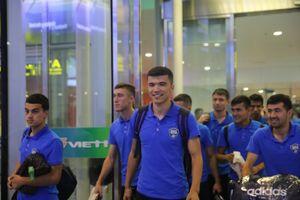 Đến Nội Bài lúc nửa đêm, Olympic Uzbekistan sẵn sàng để U23 Việt Nam 'đòi nợ'