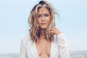 Jennifer Aniston phản bác tin đồn ích kỷ, không sinh con để giữ chồng