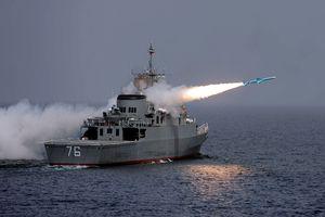 Iran điều binh bất thường tới eo biển Hormuz, Mỹ và Israel sẽ làm gì?