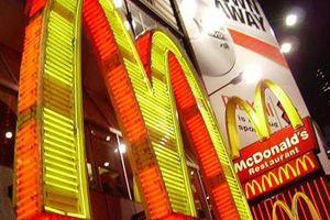 Sếp McDonald bị tố cưỡng hiếp nhân viên