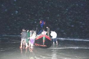 Đồn BP Lạch Kèn giao trả thuyền cho ngư dân