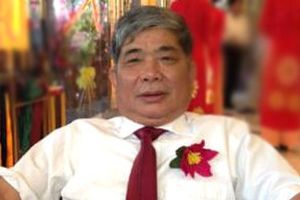 Đại gia 'hút thuốc lào' phản bác tin lấn vịnh Nha Trang