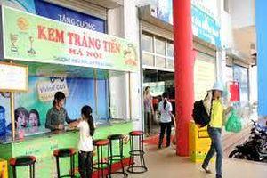 Hàng nghìn chiếc kem Tràng Tiền ăn gian ngày sản xuất