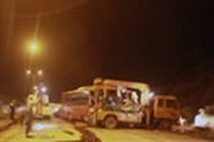 Vụ xe khách lật trên đường cao tốc Liên Khương-Prenn: 'Thật kinh hoàng'