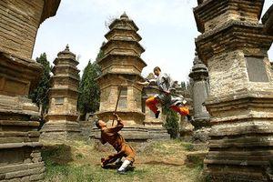 Xem các nhà sư tập kung fu tại chùa Thiếu Lâm Tự