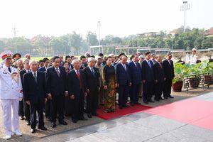 Lãnh đạo Đảng, Nhà nước viếng Chủ tịch Hồ Chí Minh và dâng hương tưởng niệm các Anh hùng liệt sĩ