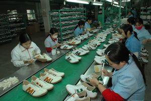 Giày Việt chinh phục người Việt