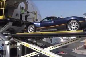 Cận cảnh 'Thần gió' Pagani Zonda 'cưỡi mây' bay từ Dubai sang Italy