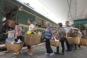Đoàn tàu đặc biệt phục vụ nông dân Trung Quốc bán rau