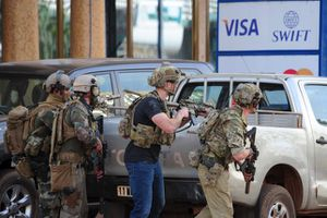 Khủng bố ở Buốc-ki-na Pha-xô: 126 con tin được cứu, diệt 3 tay súng
