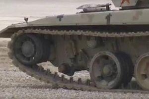 Trung Quốc 'xấu hổ': Siêu tăng Type 96B rơi bánh khi đang chạy