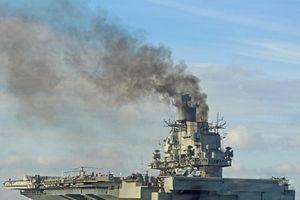 Tàu sân bay Kuznetsov xả khói mù trời, phương Tây hả hê