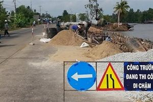 Đường xấu, tai nạn nghiêm trọng: Trách nhiệm của ai?