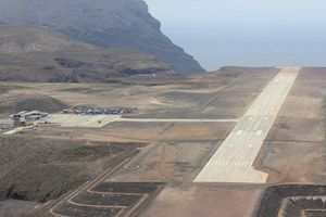 Sân bay 'vô dụng' nhất thế giới sắp hết vô dụng