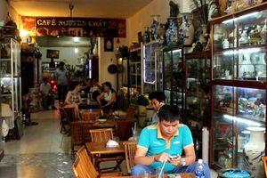 Quán cà phê đầy ắp đồ cổ cho người Sài Gòn vừa nhâm nhi, thưởng thức