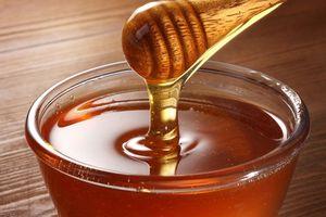 10 lợi ích tuyệt vời khi uống sữa với mật ong mỗi ngày