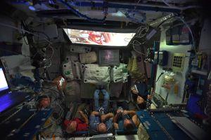 Đây là cách phi hành gia xem Star Wars ngoài vũ trụ