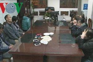 Công an Quảng Ninh bắt quả tang 9 đối tượng đang đánh bạc