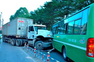 17 người chết vì tai nạn giao thông ngày 30 Tết