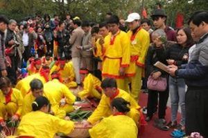 Thi gói bánh chưng, giã bánh dày tại Lễ hội Côn Sơn - Kiếp Bạc