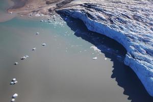 Con người – thủ phạm chính làm tan băng tại Bắc Cực