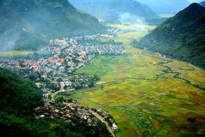 Mai Châu hấp dẫn nhờ thiên nhiên và bản sắc văn hóa dân tộc