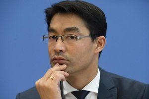 Chân dung Cựu Phó Thủ tướng Đức về Việt Nam làm việc