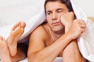 Người lao động trí óc dễ 'yếu' chuyện giường chiếu