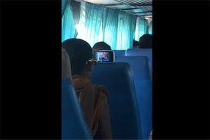 Nhà sư xem phim sex trên xe buýt ở Thái Lan khiến công chúng phẫn nộ