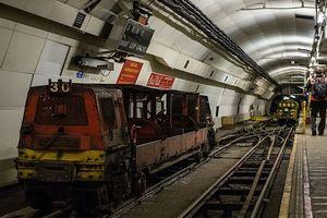 Vẻ đẹp xuyên thế kỷ đường hầm chuyển thư bí mật ở London