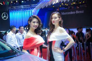Choáng ngợp trước dàn người mẫu tại Triển lãm Ô tô Việt Nam 2017