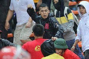 Ngán hooligan hiếu chiến, chủ nhà Malaysia thắt chặn an ninh