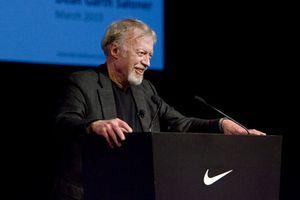Nhà sáng lập Nike: 'Ý tưởng điên rồ' tạo nên thế giới