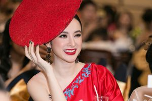 Angela Phương Trinh gây chú ý với chiếc mũ khó hiểu