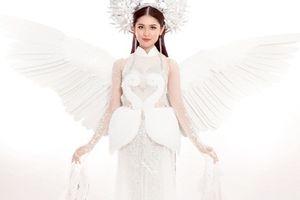 Hé lộ trang phục truyền thống lung linh, 'thoát tục' của Thùy Dung tại Miss Intetnational 2017