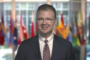 Tân Đại sứ Mỹ Daniel Kritenbrink gây ấn tượng với clip chào Việt Nam