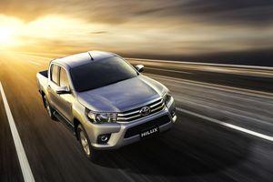 Toyota Hilux cải tiến chính thức được bán, rẻ hơn gần trăm triệu