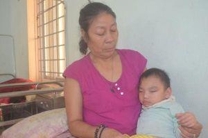 Bị chồng hờ đánh đập tàn bạo, bắt uống thuốc phá thai, mẹ trẻ đau đớn sinh ra đứa con bạo bệnh