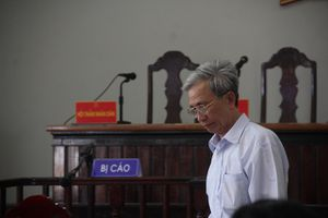 Bị tuyên án 3 năm tù giam, bị cáo Nguyễn Khắc Thủy đòi tự sát