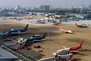 Các hàng không lớn ngừng khai thác nhiều chuyến bay do bão số 14