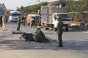 Xe tải lấn làn tông chết người phụ nữ đi xe máy ở Hà Nội