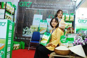 Đặc sản 3 miền hội tụ tại Hội chợ nông sản an toàn thực phẩm Đà Nẵng 2017