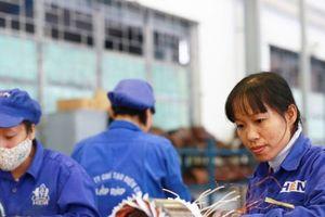Từ 1/1/2018 tính lương hưu mới, lao động nữ ảnh hưởng ra sao?