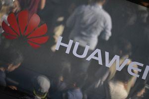 Giám đốc kinh doanh Huawei bị bắt vì cáo buộc tham nhũng