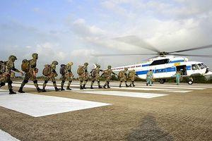 Một ngày trên thao trường với người lính dù hải quân Việt Nam
