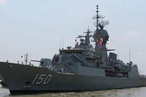 Cận cảnh 3 tàu hải quân Úc thăm TP.HCM