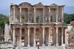 Đống đổ nát Ephesus - chuyến du hành ngược trở về 3000 năm trước