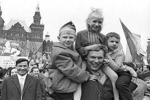 Người dân Liên Xô mừng ngày Quốc tế Lao động như thế nào?