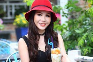 Thời trang hè lịch lãm, quý phái của Nữ hoàng doanh nhân Kim Chi